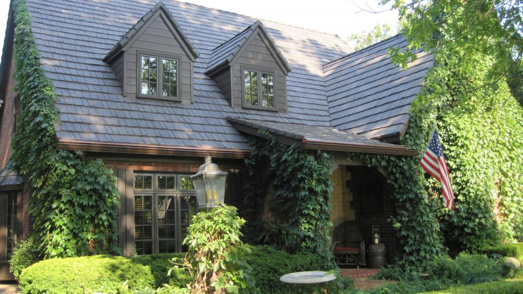 home with clean davinci shake shingles resistant to mold and other growth