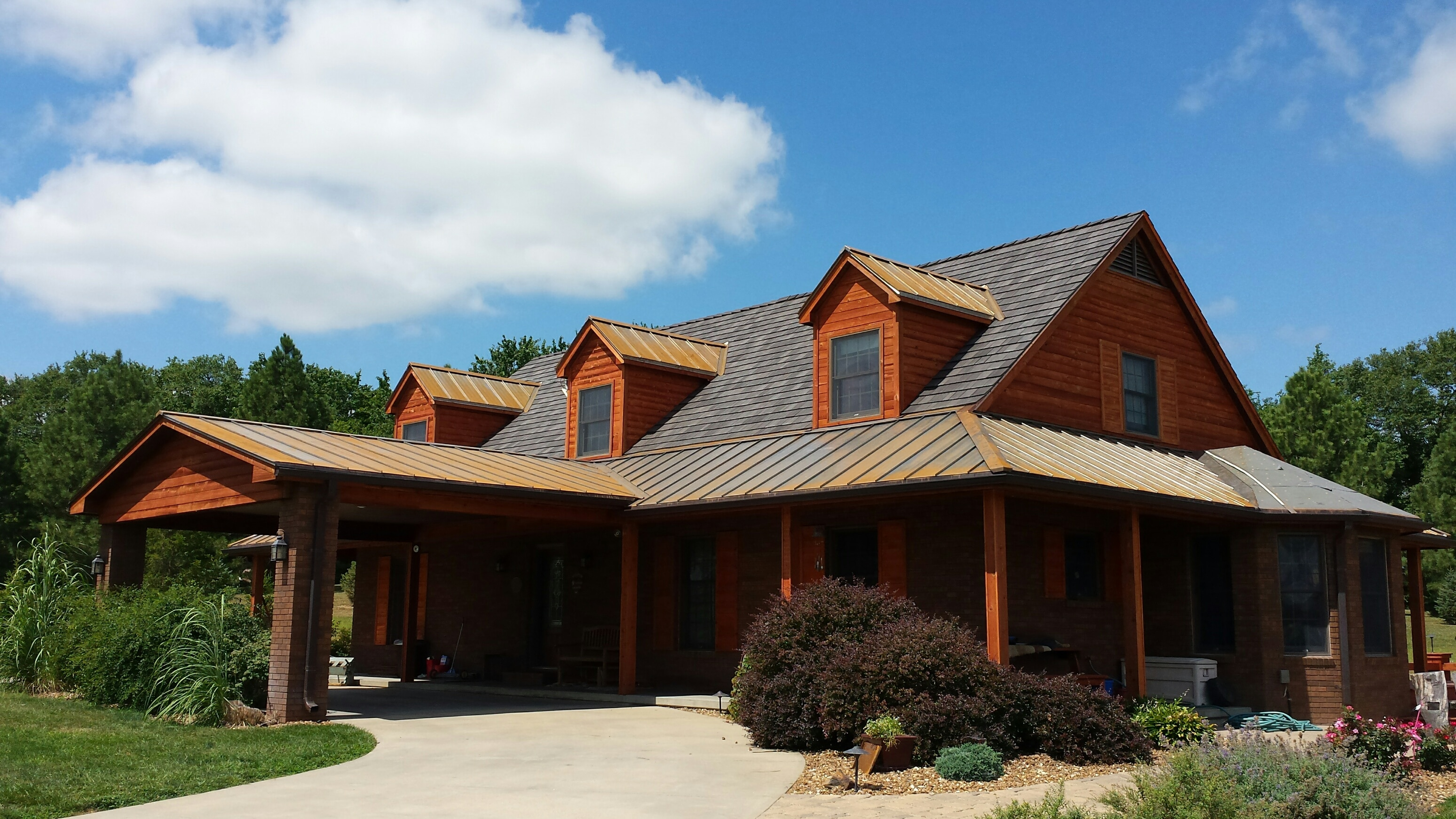 Roof projects residential roofing projects davinci for Polymer roofing shingles