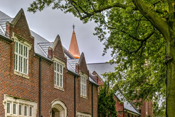 DaVinci Roofscapes slate tiles adorn this stately church