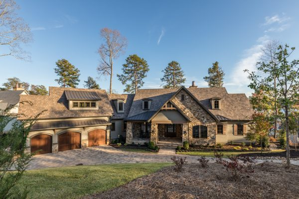 DaVinci Multi-Width Slate glints in the setting sunlight on this gorgeous community home.